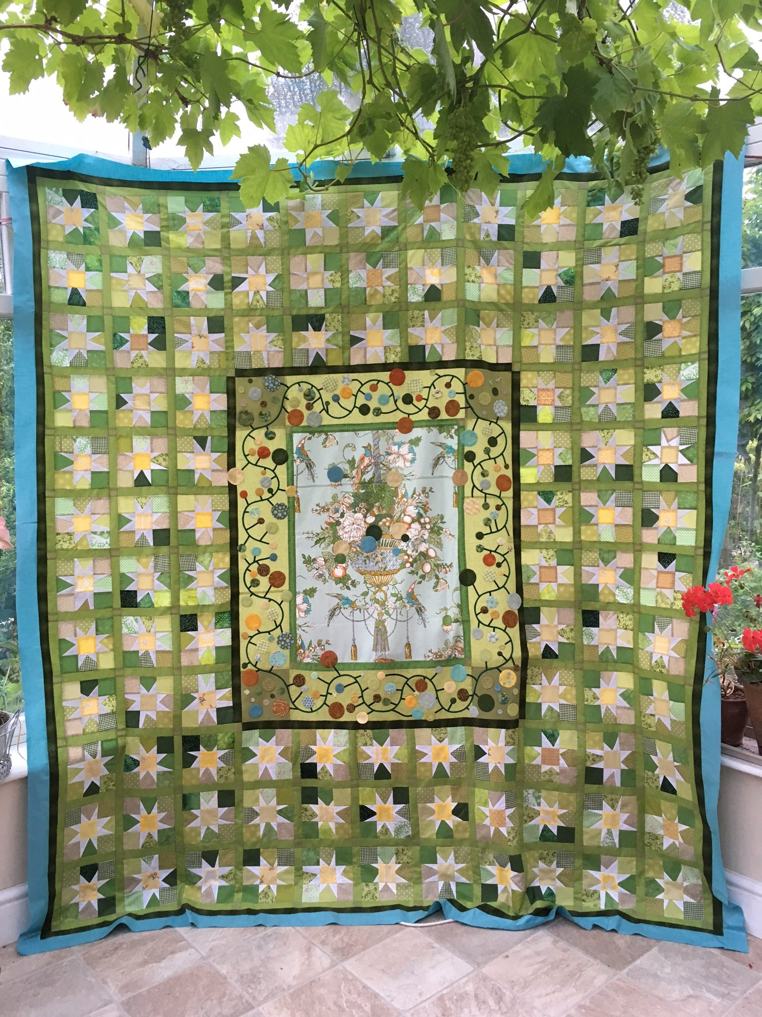 Quilt made by Anne Varley in Spring 2017 and entered into Pantone Greenery competition